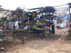 chiosco di frutta, mercato di Kisumu - fruit's kiosk, Kisumu market