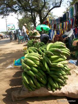 chiosco di banane, mercato di Kisumu - banana's kiosk, Kisumu market